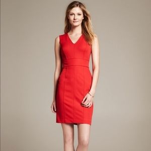 BANANA REPUBLIC Sloan V-neck Dress Holly Berry 0P
